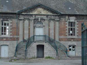 Fronton de la cour intérieure de l'abbaye