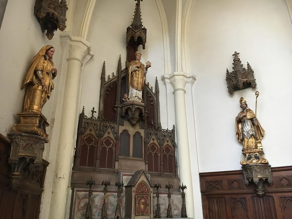 Restauration de la Vierge et des statues